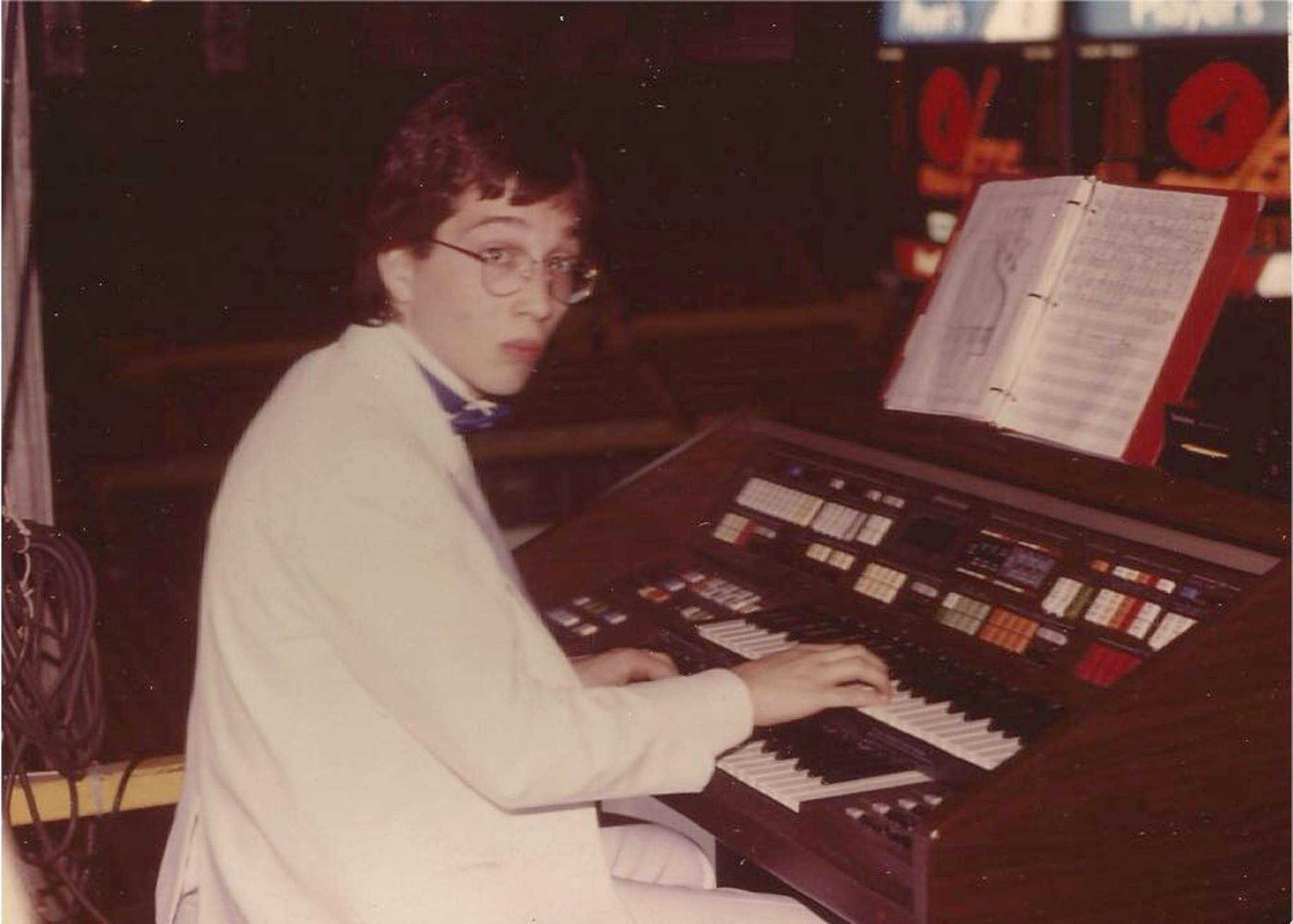 Earl MacDonald playing the organ at a Winnipeg Jets game, circa 1987